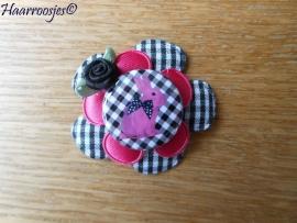 Haarlokspeldje, zwart geruit en fuchsia roze bloem, konijn en zwart roosje.