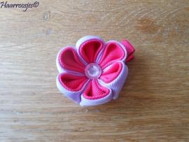 Lintbloem, fuchsia roze, met lila en fuchsia roze bloem.