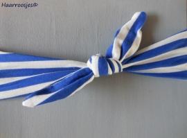 Knoophaarband, kobalt blauw/wit gestreept.