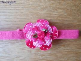Babyhaarbandje, smal, fuchsia roze, met polakdot bloem, geruite bloem, polkadot bloemetje en een fuchsia roze roosje.
