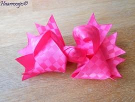 Grote strik, fuchsia roze.
