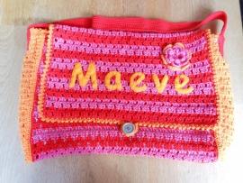 Gehaakte tas, rood / roze / oranje, met naam, gemaakt op bestelling.