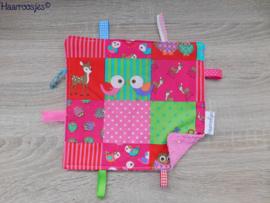 Labeldoekje, patchwork met vogeltjes en roze badstof en 8 labeltjes - 3.