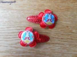 Haarspeldjes, peuter/kleuter, rood met pailletjes en rood satijnen bloem en Kerst Belle..