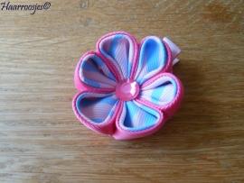 Lintbloem, lichtroze, met roze en blauw/wit bloem.