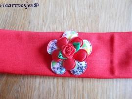 Stoffen haarband, rood met gebloemde bloem, rode bloem en rood roosje.