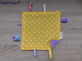Labeldoekje, geel polkadot en paars badstof en 8 labeltjes - 2.