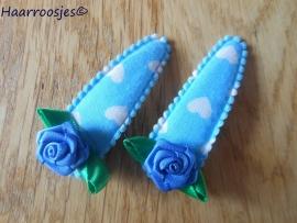 Haarspeldjes, meisje, aquablauw met witte hartjes en een blauwe roos.