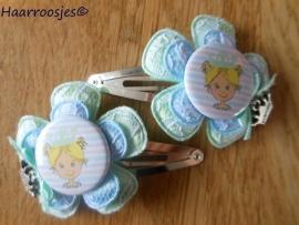 Haarspeldjes meisje, zilver, met mintgroen kanten bloem, lichtblauwe kanten bloem, prinsesje en een mintgroen strikje met bedeltje.