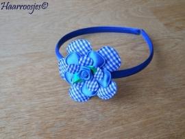 Haardiadeem, peuter/kleuter, kobalt blauw met blauw geruite bloem, effen bloem, geruite bloemetje en blauw roosje.