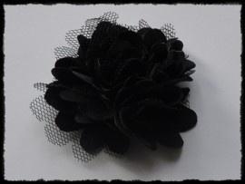 Haarbloem, zwart met satijn en tule.