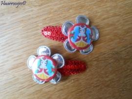 Haarspeldjes, peuter/kleuter, rood met pailleten met zilveren bloem en kerst Belle.