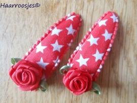 Haarspeldjes, meisje, rood met witte sterren en een rode roos.