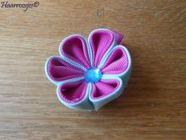 Lintbloem, fuchsia roze, met mint groen en fuchsia roze bloem.
