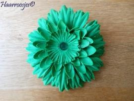 Haarbloem, groen met strass steentje.