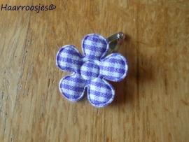 Haarspeldje, new born, met een paars geruit bloemetje.
