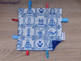 Labeldoekje, delftsblauw en kobalt blauw badstof en 8 labeltjes - 2.