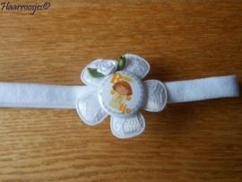 Babyhaarbandje smal, wit, met wit kanten bloem, (B)engeltje, en wit roosje.