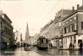 Steenstraat vroeger met tram