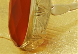 Gouden damesring met cornolijn