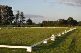 Menpiste, dressuurring 40 x 100 meter