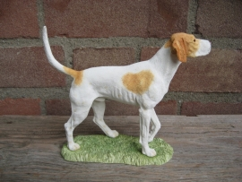 beeldje Engelse Foxhound tan-wit