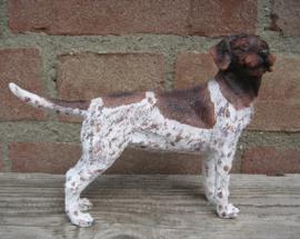 beeldje Duitse staande hond draadhaar