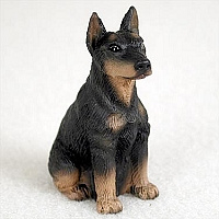 miniatuur Dobermann black & tan gecoupeerd