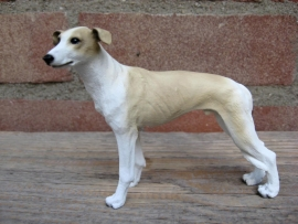 beeldje Greyhound wit-tan