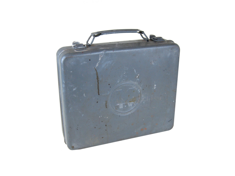 "Verweerd koffertje ""M.E.W."""