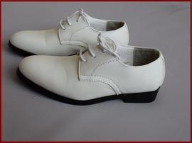 Jongens schoen off-white  (328) alleen nog maten 29, 30 en 31!