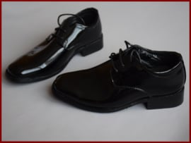 Bruidjonker - Communieschoenen  zwart lak  (333)  Alléén nog maat 26! Schoen valt erg groot!