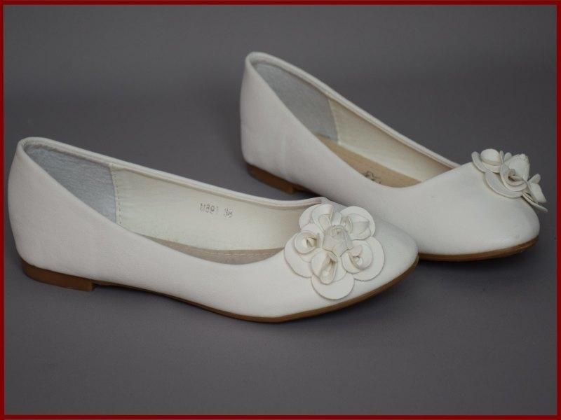 Meisjes / dames schoenen ivoor met bloem. Maat 36 t/m 41 (344) alleen nog maat 39 en 41