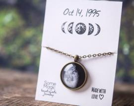 Maanfase halsketting met zelfgekozen Datum