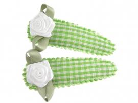 Haarspeldjes groen geruit met wit roosje