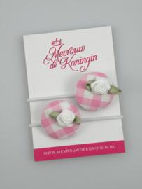 Stofknoop roze geruit met wit roosje