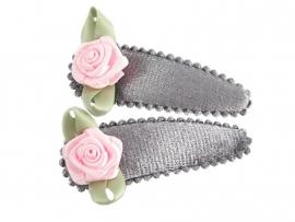 Haarspeldjes grijs fluweel met roze roosje