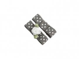 Babyhaarspeldje met lint donkergrijs gestipt met wit roosje