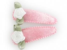 Haarspeldjes roze fluweel met wit roosje