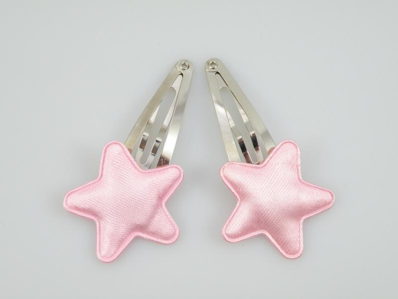 Haarspeldjes met roze satijnen sterren
