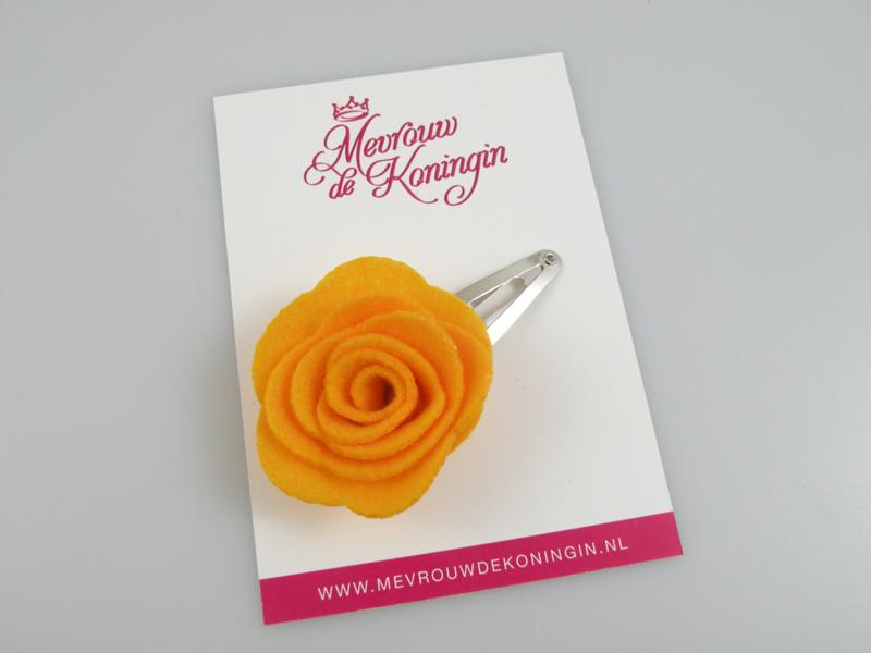 Haarspeldje vilten bloem oranje