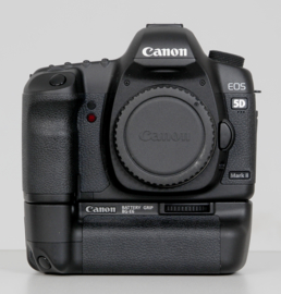 Canon 5D MARK II Battery Grip BG-E6 + Canon 24-105 mm USM L