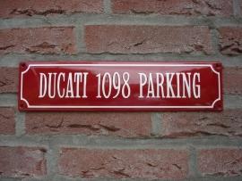 DUCATI 1098 PARKING