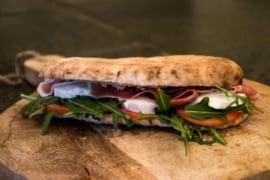 Italiaans afbakbrood (Saltimbocca)   8 stuks