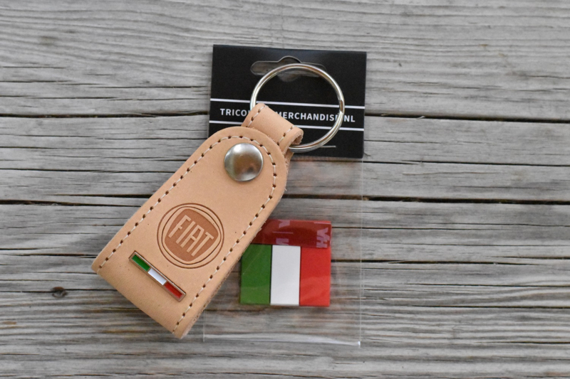 FIAT GIFTSET  Sleutelhanger tuigleer + vlaglabel tricolore