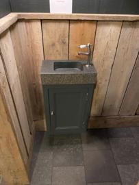 klassiek handenwasser meubel in kleur, hangend met lavabo