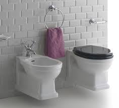 LO0018 Klassiek wand toilet / hangtoilet