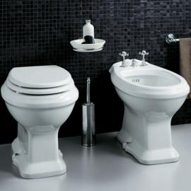 AR 801 Klassiek toilet met hooghangend reservoir, vloeruitlaat AO
