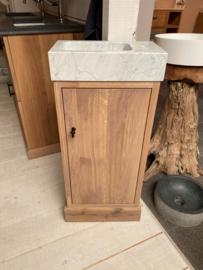 handenwasser meubel in eik met marmeren of granieten lavabo