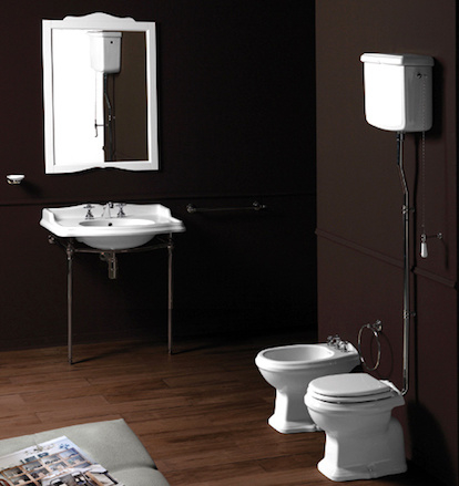 KSTA0006P Klassieke toilet met  hooghangend reservoir, PK  muuruitlaat